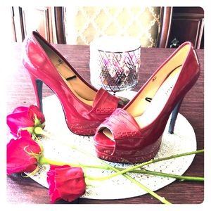 Shoes - Shiny red *like new* 👠
